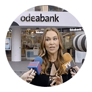 Hülya Avşar is spotted in Odeabank!